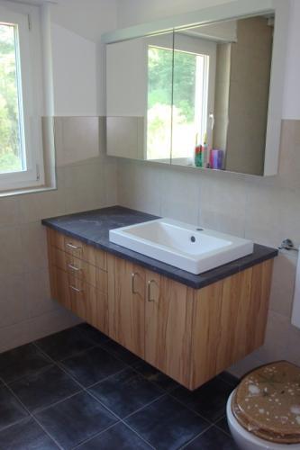 Badezimmermoebel Holz
