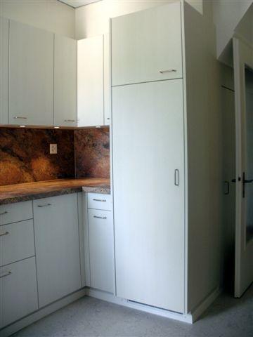 Küche mit Steinabdeckung